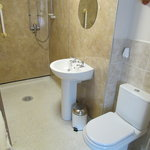 Double en-suite wetroom