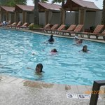 This is the pool at the Island View. Area very clean, pool wonderful. Great place.
