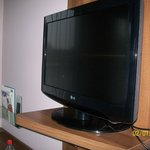 nice size tv with some english channels