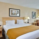 Photo de Holiday Inn Express Hotel & Suites - Daphne-Spanish Fort