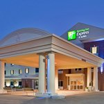 Фотография Holiday Inn Express Hotel & Suites Sedalia