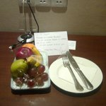 Welcome note and fruit platter