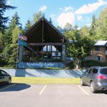 Nisqually Lodge resmi