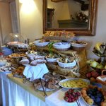 Breakfast buffet - Mama mia!