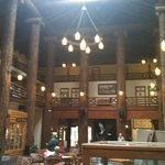 Foto de Many Glacier Lodge