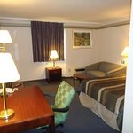 Photo de Budget Host Inn & Suites