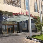Ramada Dammam Hotel and Suites resmi