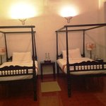 Four poster beds in room
