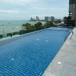 Sea me Spring roof top pool Pattaya