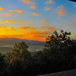 SMOKY MOUNTAIN SUNRISE - View from The Bear Room