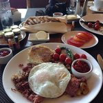 corned beef hash and eggs b'fast; awesome!