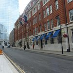 London Bridge Hotel resmi