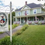 Photo de The Young House Bed and Breakfast