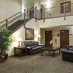 Crossings by GrandStay Inn and Suites Becker resmi