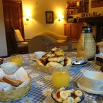 Fabulous breakfast time in such a cozy living room