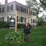 The Misses in front of the Inn