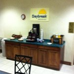 Days Inn West Liberty resmi
