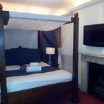 Stunning four poster bed in room 7!