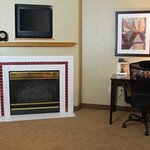 Americ Inn Clear Lake Fireplace