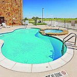 Photo de La Quinta Inn & Suites McKinney
