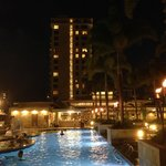Фотография Embassy Suites Waikiki Beach Walk