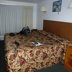 Photo de Americas Best Value Inn & Suites / Hyannis