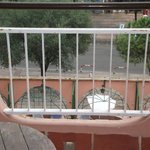 balcony very badly cracked