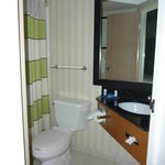 Fairfield Inn Portland Maine Mall: Bathroom in Room 320