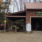 The front of the barn where the office is. The horses are beautiful. Very well kept.