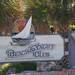 Englewood Beach and Yacht Club resmi