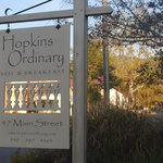 Hopkins Ordinary Bed & Breakfast resmi