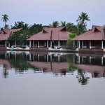 Cottages infront of lagoon