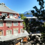 Фотография Delta Whistler Village Suites
