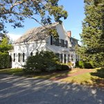 A photo of the main house of the Fort Hill B & B, Eastham, MA