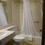 Foto van Days Inn and Suites - Des Moines Airport