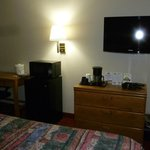 Photo de Days Inn and Suites - Des Moines Airport
