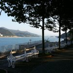 Just metres away, the Mundaka promenade