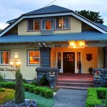 Villa Columbia Bed and Breakfast