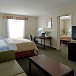 Фотография BEST WESTERN PLUS Red Deer Inn & Suites
