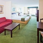 Φωτογραφία: Holiday Inn Express Hotel & Suites