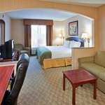 Foto van Holiday Inn Express Lansing - Leavenworth