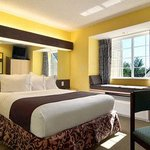 صورة فوتوغرافية لـ ‪Microtel Inn & Suites by Wyndham Columbus North‬