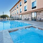 Фотография Holiday Inn Express Hotel & Suites Mineral Wells