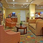 Holiday Inn Express Hotel & Suites Greensboro - Airport Area resmi