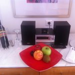 Complimentary wine & fruits