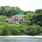Welcome to Clearwater Paradise located on the secluded north shore of Guanaja in the Caribbean