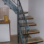 1 bed apartment stairs