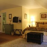 Lang House on Main Street Bed and Breakfast resmi