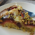 Plum and pistachio cake