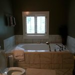 Fairfax Suite Jacuzzi Tub